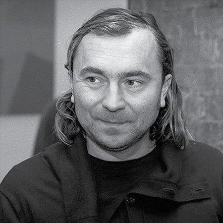 Dennis Mikhaylov Artist - Psychedelic Robot - Immersive Art Gallery